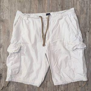 Gap cargo shorts size 36